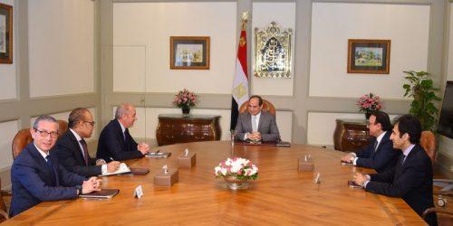 صورة بالصور .. تفاصيل ما دار في لقاء الرئيس السيسي مع رئيس اورنج بحضور وزير الاتصالات :