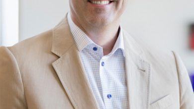 """صورة """"تشاك روبنز""""الرئيس التنفيذيلشركةسيسكو : تحديات وفرص العمل عن بعد في زمن الكورونا"""