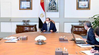 صورة تفاصيل لقاء الرئيس السيسي مع وزير الإتصالات