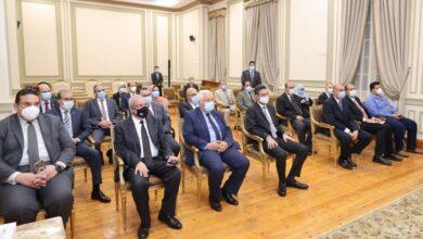 صورة وزير الاتصالات يشهد توقيع بروتوكول تعاون بين محافظة القاهرة والبريد