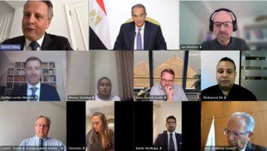 صورة وزير الاتصالات : 200 خدمة حكومية يحصل عليها المواطن الكترونيا بنهاية العام الحالى