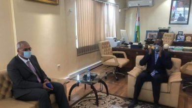 صورة خلال لقاءه مع السفير المصري  :