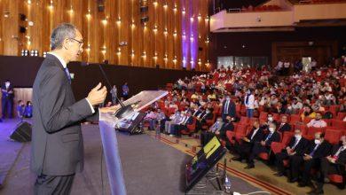 صورة وزير الاتصالات أمام قمة تكنى سميت: 390 مليون دولار استثمارات فى الشركات الناشئة العام الحالي