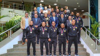 صورة رئيس البريد يكرم فريق المصارعة بعد حصوله على بطولة الجمهورية وترشحه لبطولة العالم ٢٠٢١